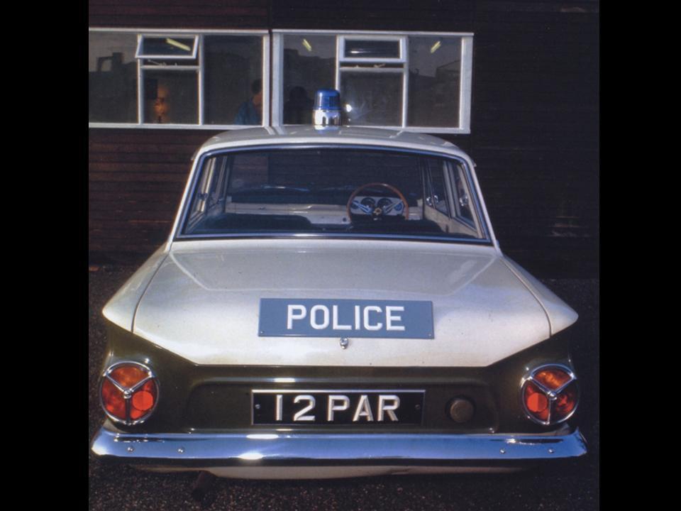 50.1.4 Lotus Cortina Police 16v1