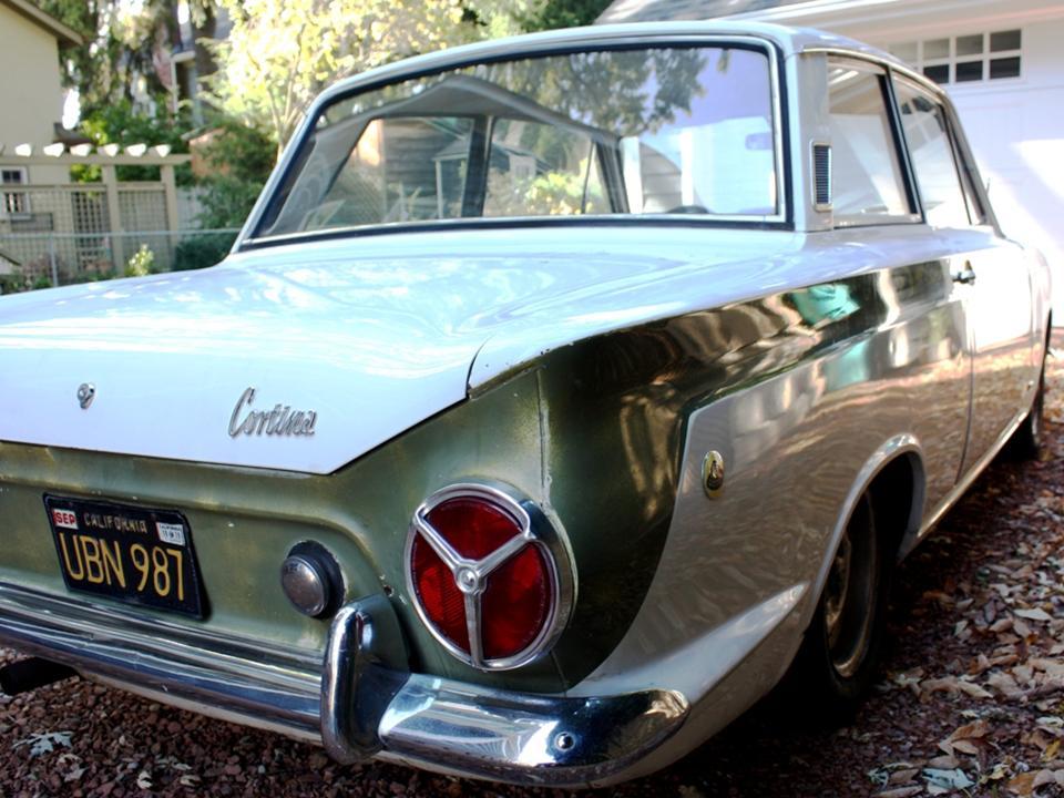 90.2 Lotus Cortina California Ext 15