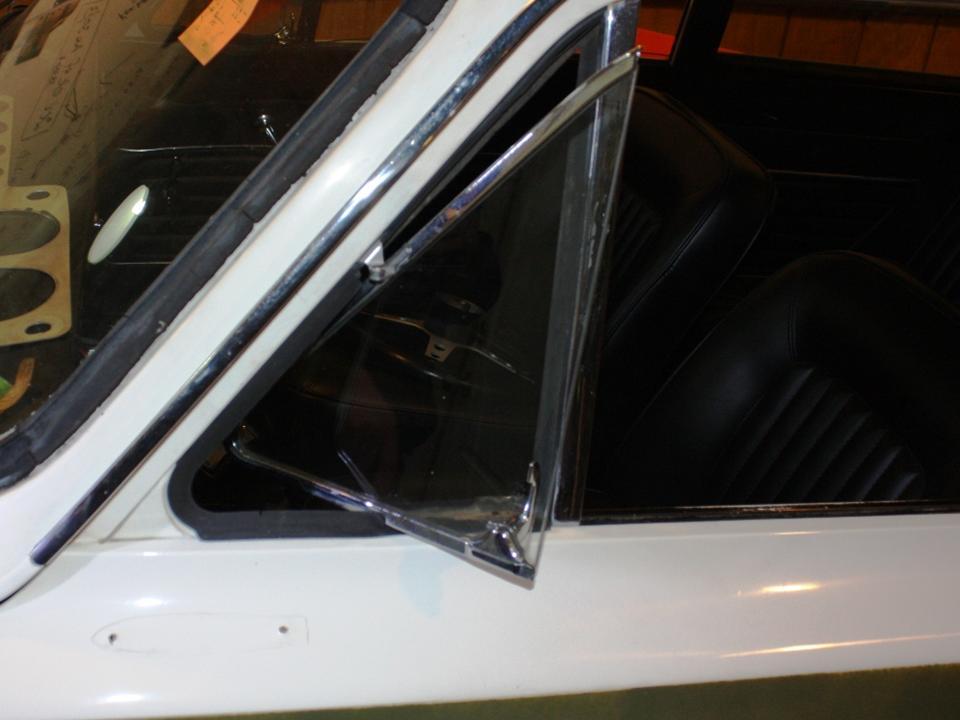 90.2 Lotus Cortina California Ext 27