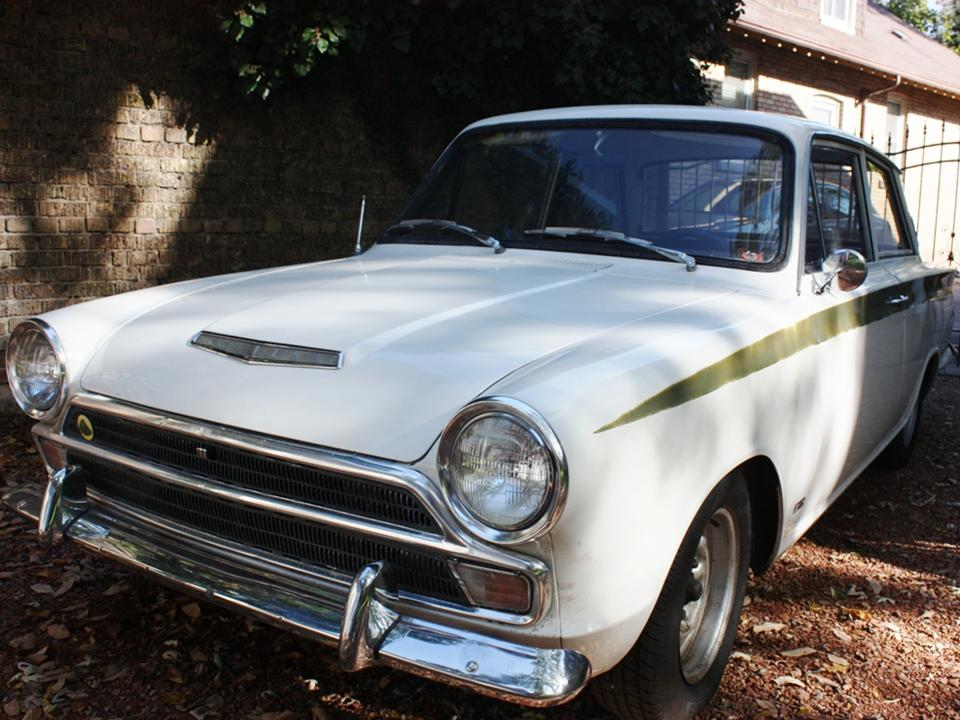 90.2 Lotus Cortina California Ext 3