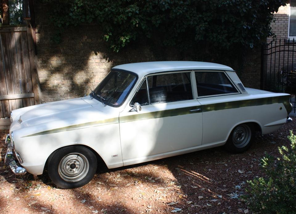 90.2 Lotus Cortina California Ext 4