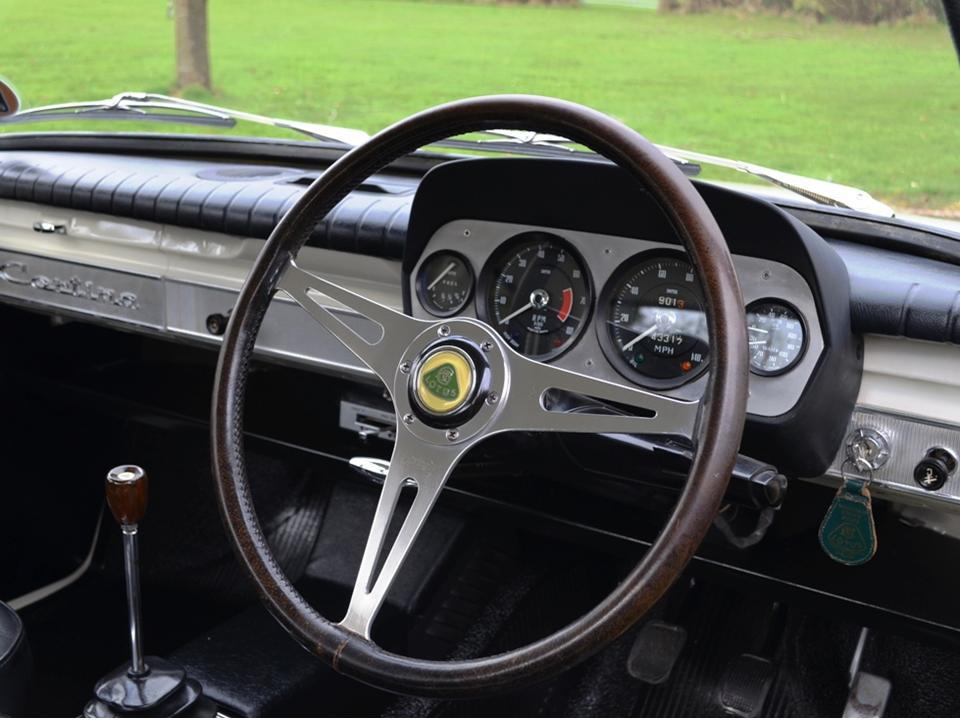92 550VAR Jim Clark Lotus Cortina 13
