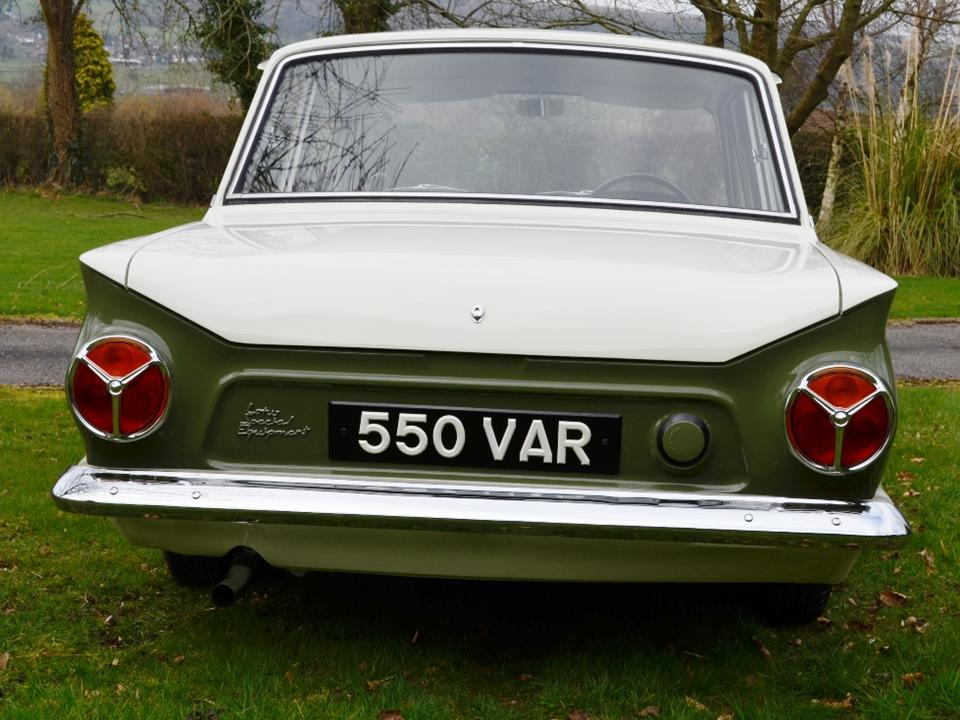 92 550VAR Jim Clark Lotus Cortina 7